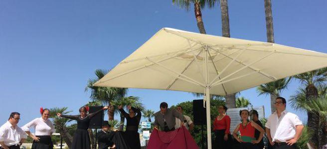 Asodown participa en el 25 aniversario del hotel Playa La Barrosa